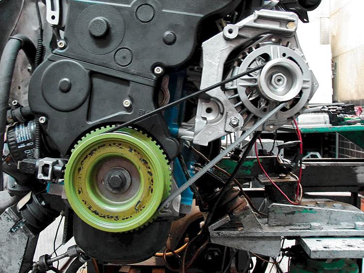 Как снять генератор на 8 клапанной Гранте