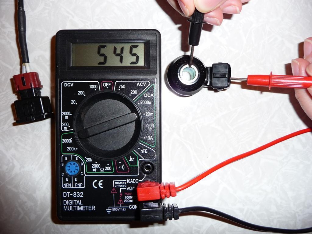 Проверка датчика детонации Ваз 2114  мультиметром